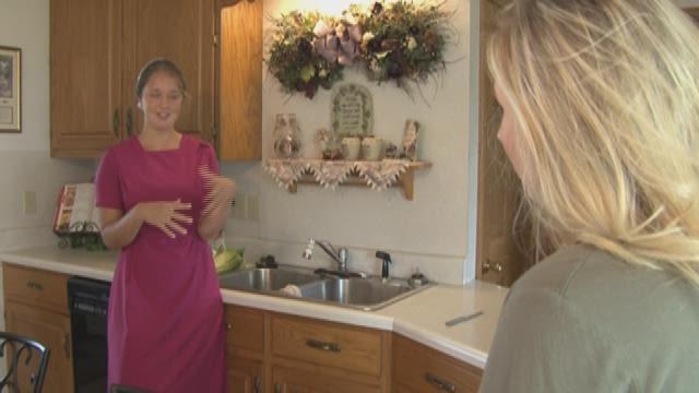 Swartzentrubers discuss Mennonite dating