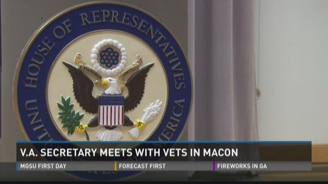 VA Secretary meets with vets in Macon