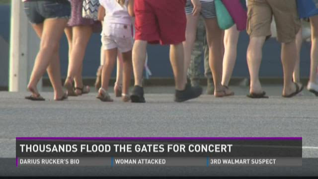Thousands flood the gates for concert