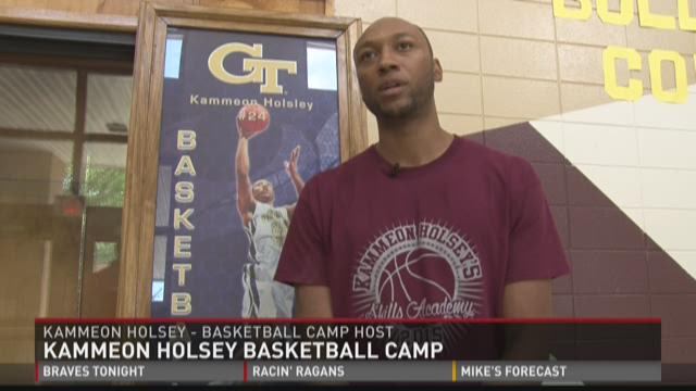 Holsey gives back to hometown by hosting basketball camp